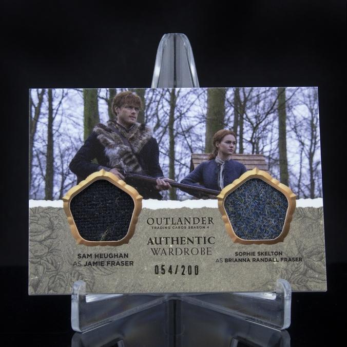 DM07 - Sam Heughan as Jamie Fraser and Sophie Skelton as Brianna Randall Fraser